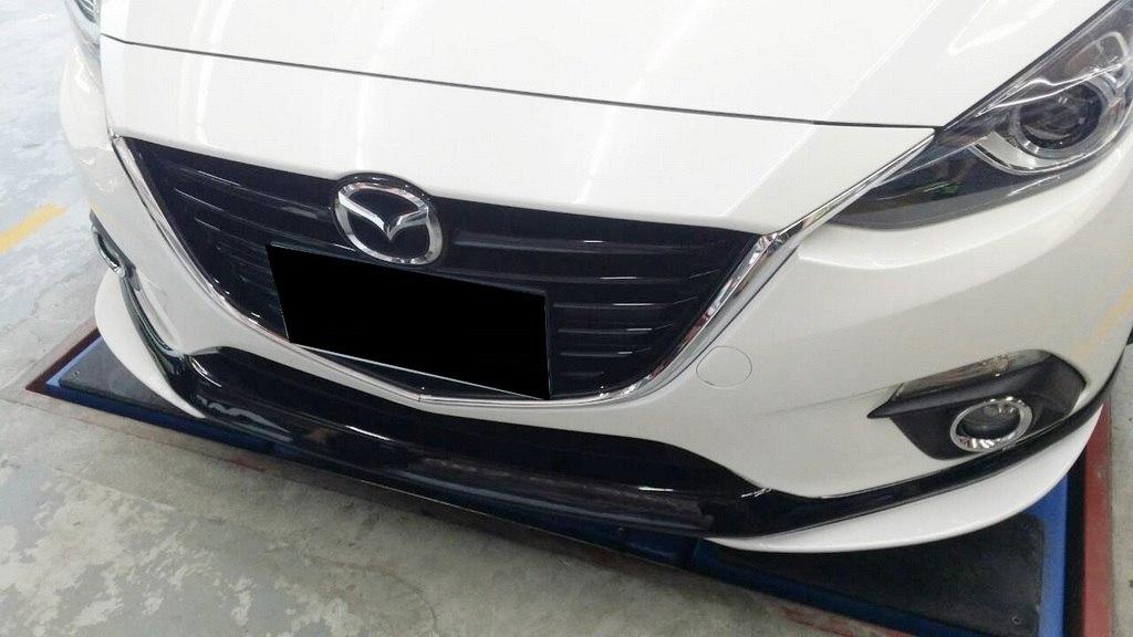 Dokładka zderzaka przedniego Mazda 3 5D 14- - GRUBYGARAGE - Sklep Tuningowy